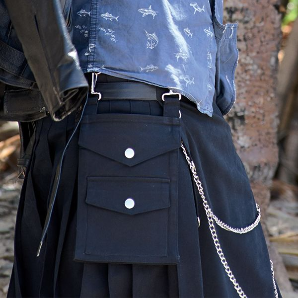 Metal Kilt Side Pocket Detail